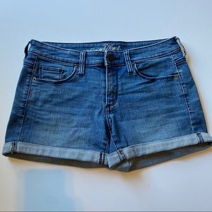 $3/20🌵Universal thread denim shorts size 2